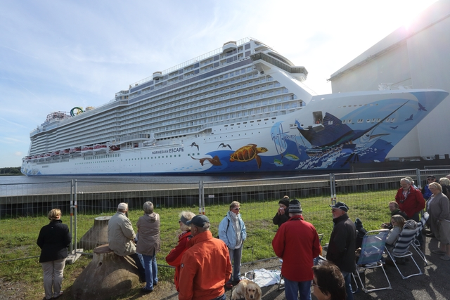 norwegian escape meyer werft