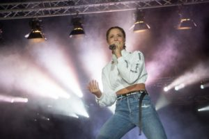 Beach Party mit Vanessa Mai im Panoramabad Pappelsee
