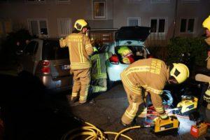 FW Ratingen: Auto rollt Treppe runter